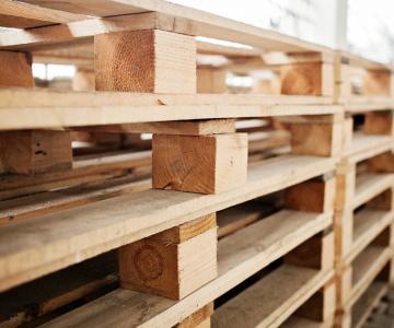 المنصات الخشبية